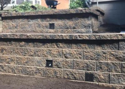 Hardscaping - Scott's Landscapes Retaining Wall