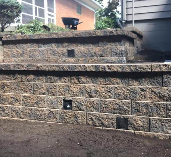Scott's Landscapes Retaining Wall